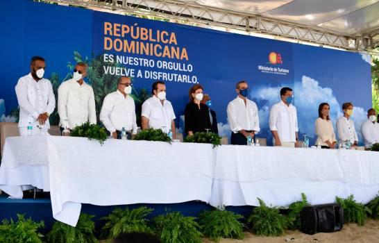 anuncia plan para relanzar turismo en puerto plata